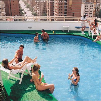 Amerian cordoba hoteles en cordoba capital for Piscinas cordoba capital